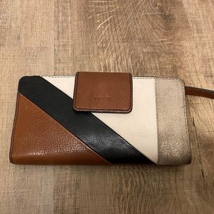 Leather fossil wallet. Like new condition